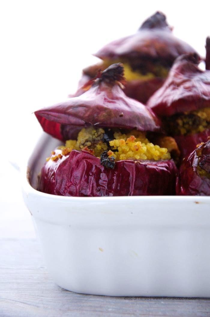 cipolla rossa con prugne e pistacchi e menta