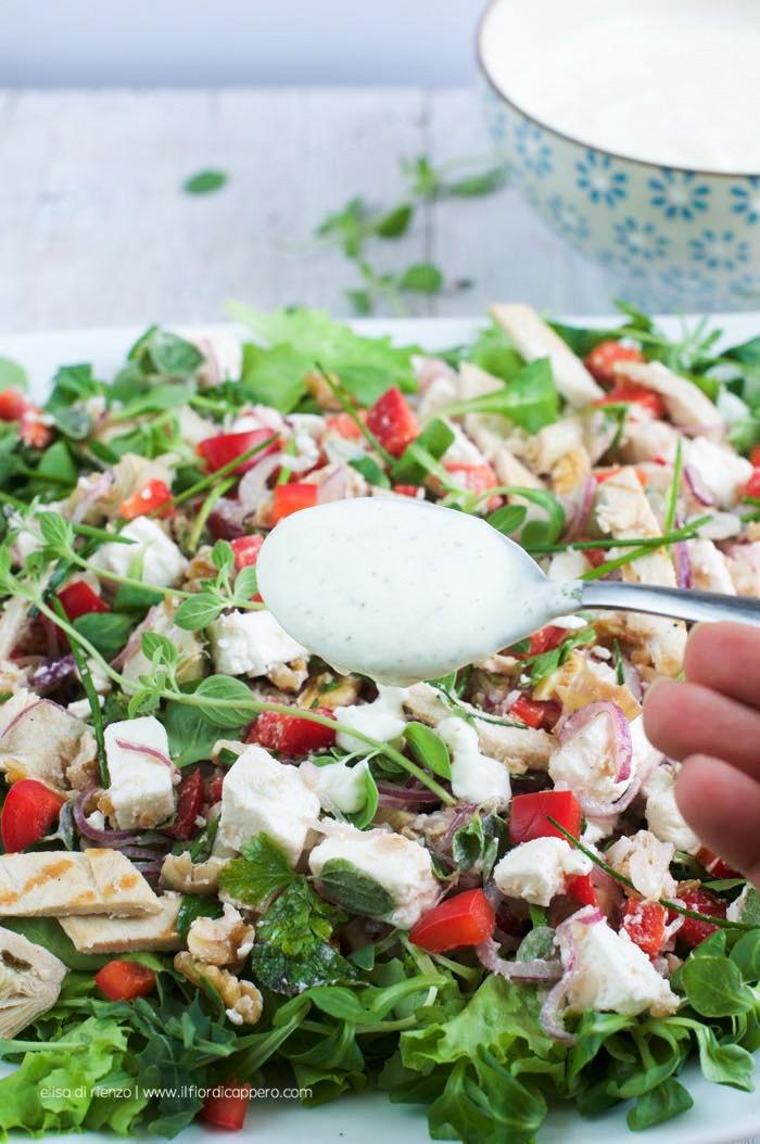 insalata di pollo con salsa yogurt