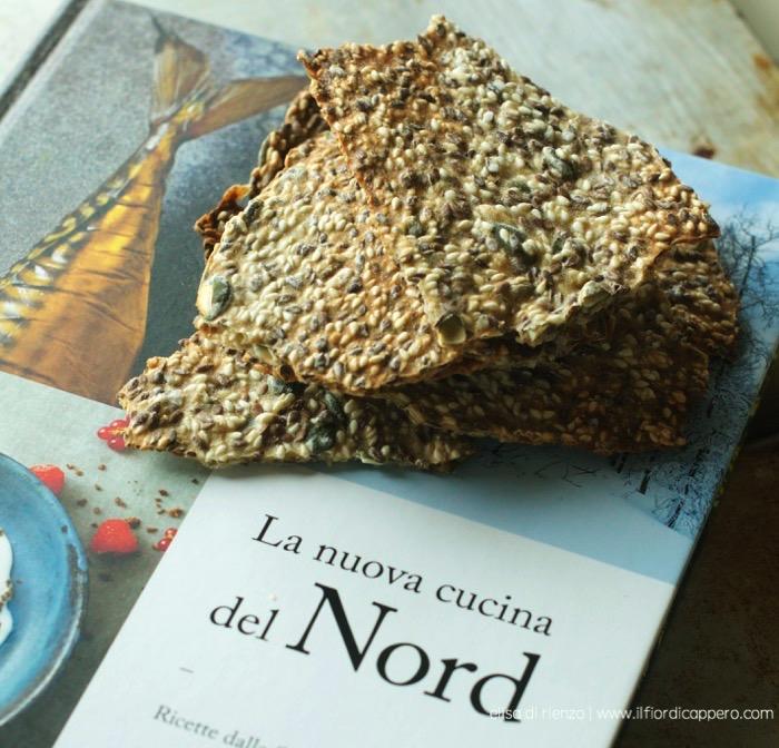 Crackers ai semi di lino, sesamo e girasole