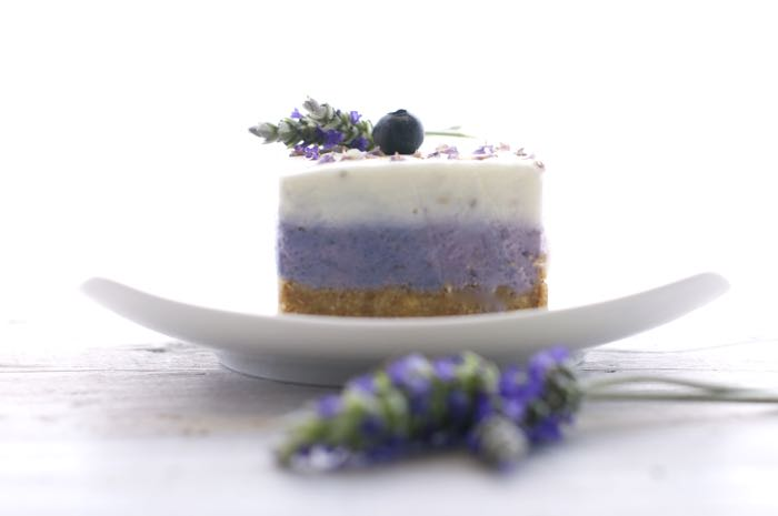 cheesecake con mirtilli e lavanda