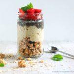 Crunchy Porridge: con granola e semi di chia