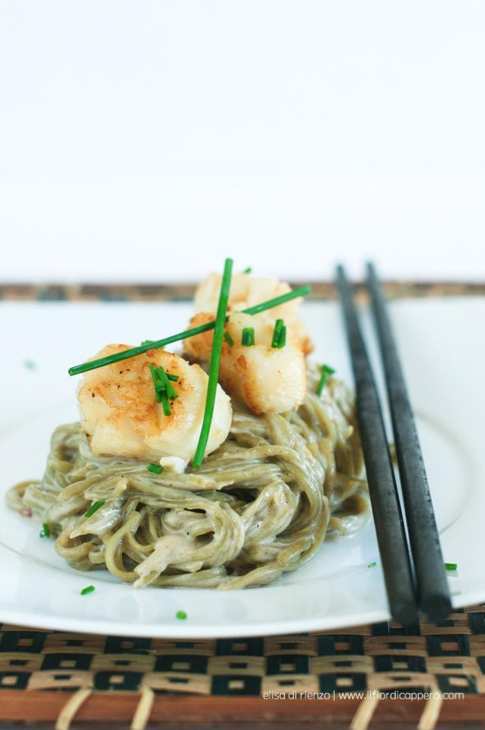 Spaghetti al tè verde e capesante
