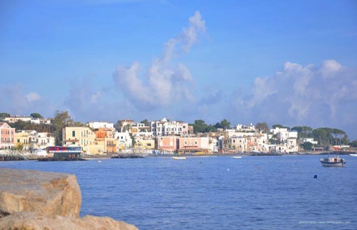 Golfo di Napoli in primavera
