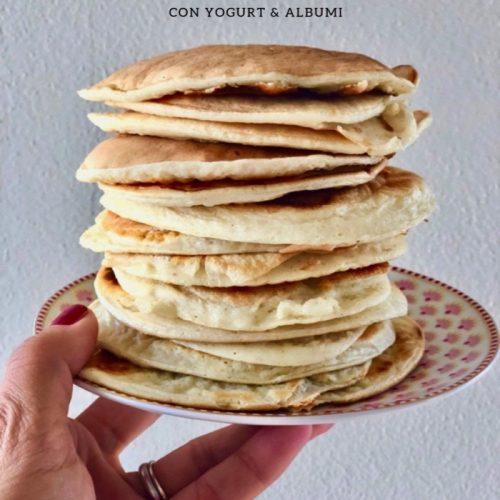 Ricetta Pancake Con Bicarbonato.Pancakes Con Albumi E Yogurt Colazione Proteica Il Fior Di Cappero