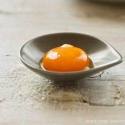 Tuorlo d'uovo marinato