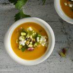 Zuppa persiana speziata con zucca e ceci