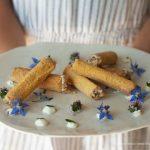 Cannoli di mais agli asparagi bianchi