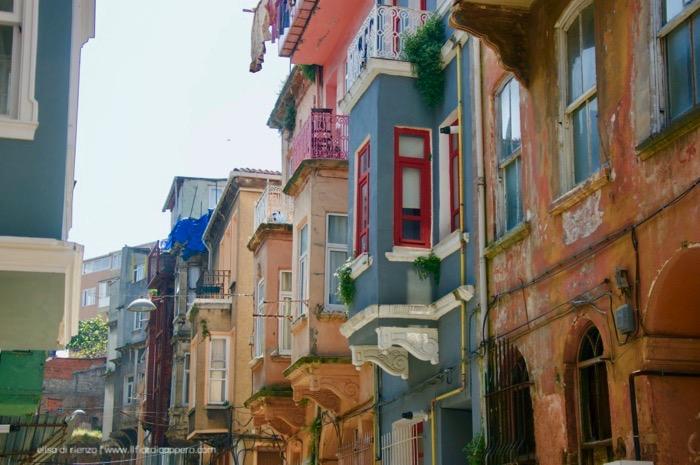 Istanbul vera: i quartieri di Fener e Balat - il fior di cappero