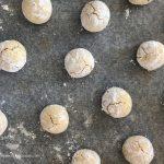 Marunchinos, biscotti morbidi alle mandorle con essenza di rosa