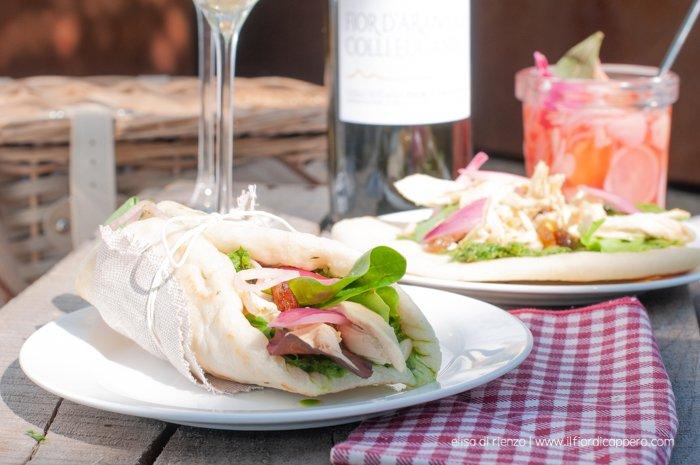 foto di pita con insalata di gallina padovana