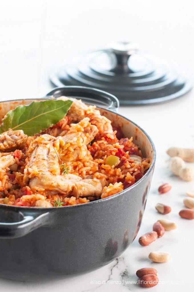 red rice stufato di pollo agli arachidi