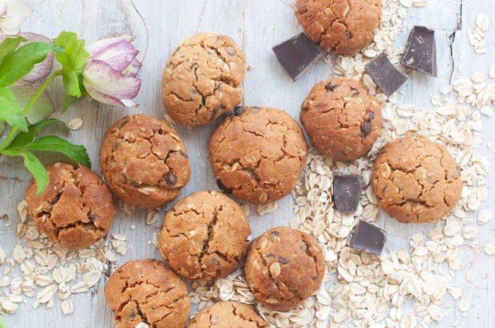 peanut butter cookies con cioccolato e avena