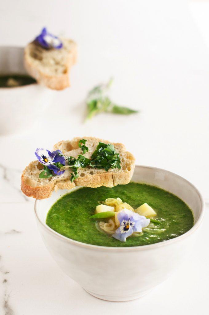 zuppa ortiche aglio orsino